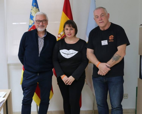 Torrevieja Mayor donates a cheque to Reachout accepted by Davy Young
